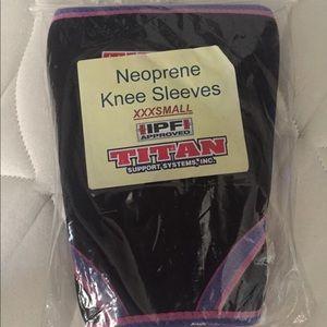 Titan Neoprene Knee Sleeves
